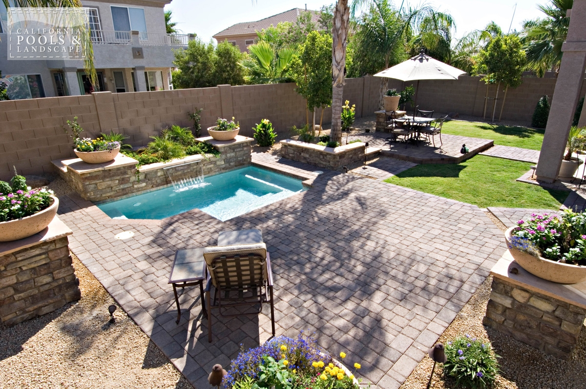 <i>AZ Lifestyle, Cocktail Pool</i>