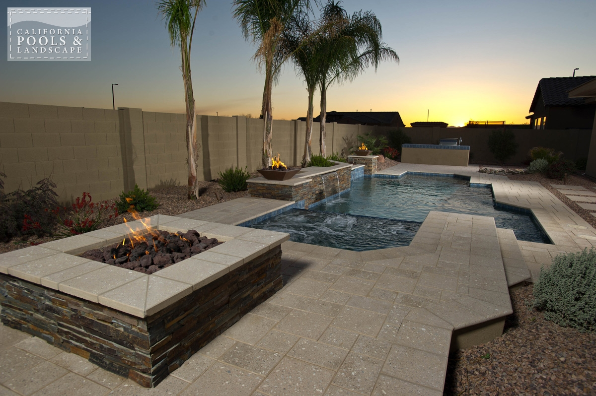<i>Fire Features, Fire Pit, Modern</i>
