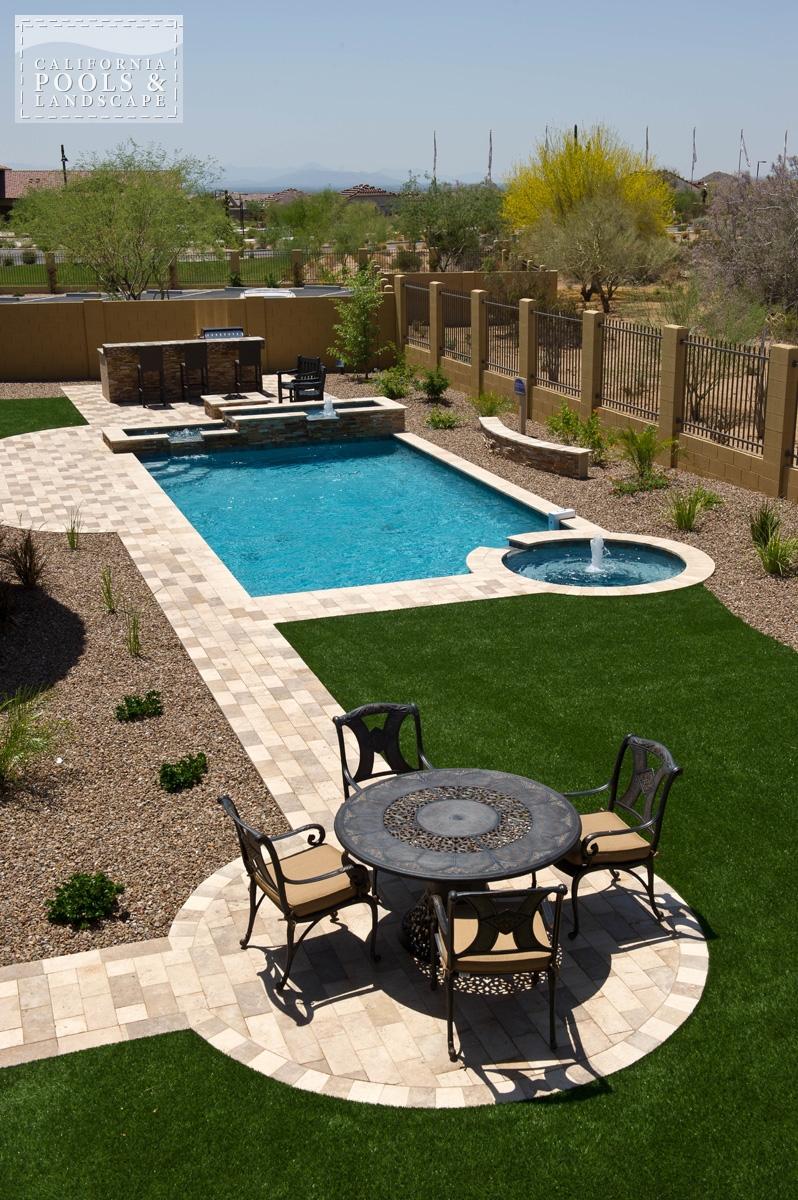 <i>Landscaping, Modern, Pool</i>