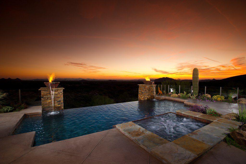 edgeless desert pool